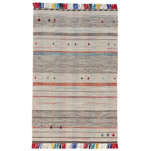 Grand Bazaar Mirella Light Gray Wool Rug (5' X 8') - 5' x 8'