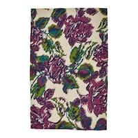 Grand Bazaar  White/ Purple Wool Rug (5' X 8') - 5' x 8'