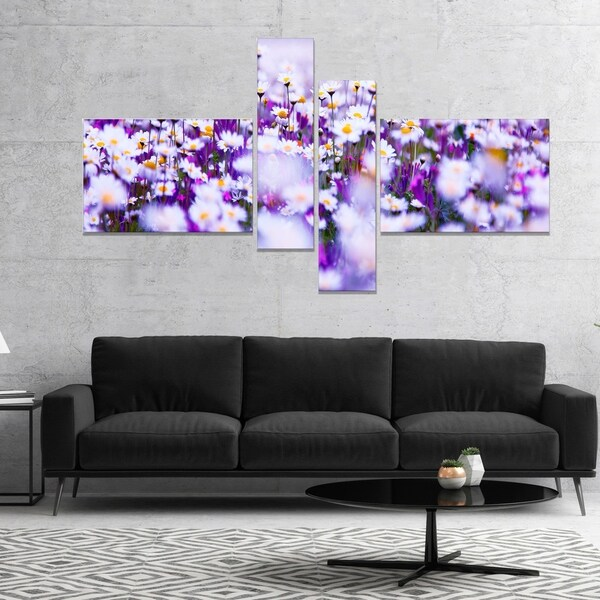 Designart 'Daisy Field Photography Panorama' Floral Canvas Art Print