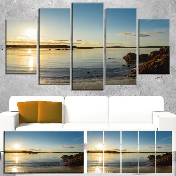 Designart 'Carters Beach Nova Scotia Canada' Modern Seashore Canvas Wall Art Print