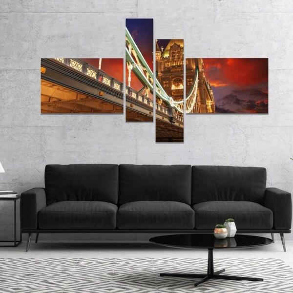 Designart 'Famous Tower Bridge at Night' Modern Cityscape Canvas Art Print