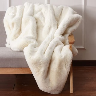 Handmade Nesting Faux Fur Throw Blanket In Off-White Color