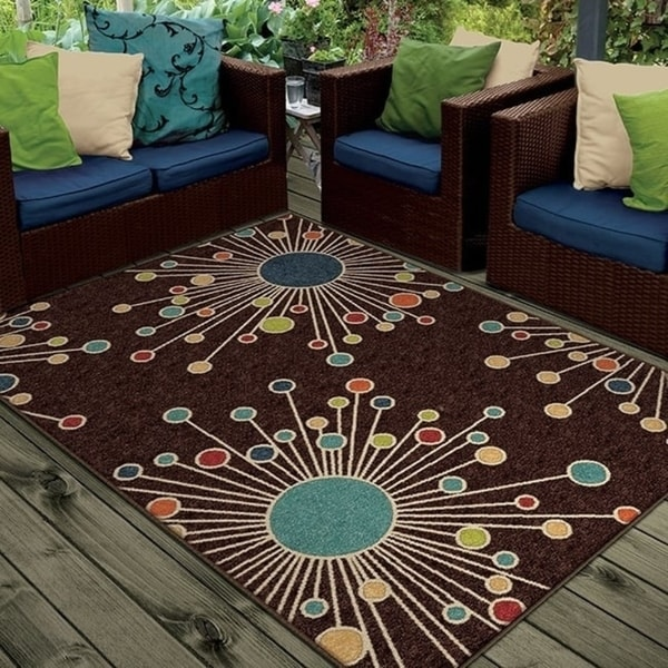 Palm Canyon Tramview Indoor/ Outdoor Firework Brown Area Rug (5'2 x 7'6)