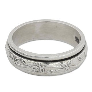 Handmade Sterling Silver 'Spinning Leaves' Ring (India)