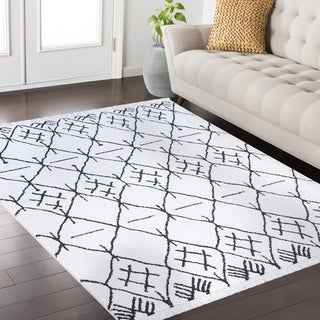 Pearl Fez Collection White and Charcoal area rug (4' x 6')