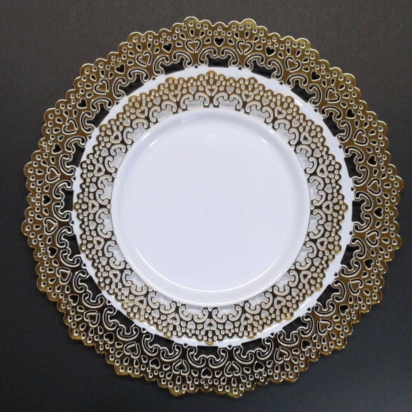 Decorative Plastic Dinnerware Gold Lace Rim 9 Round Buffet Lunch Party Plates 48 Pack