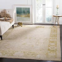 Safavieh Couture Hand-Knotted Sultanabad Traditional Beige / Green Wool Rug - 8' x 10'
