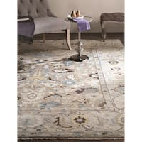 Safavieh Couture Hand-Knotted Sultanabad Traditional Grey Wool Rug - 8' x 10'
