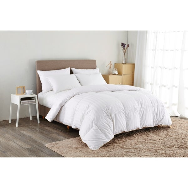 St. James Home 500 Thread Count White Goose Down Comforter