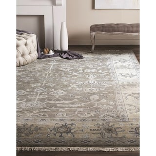 Safavieh Couture Hand-knotted Oushak Faiza Traditional Oriental Wool Rug with Fringe