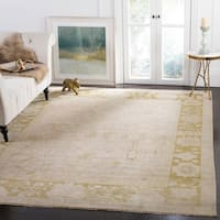 Safavieh Couture Hand-Knotted Sultanabad Traditional Beige / Green Wool Rug - 10' x 14'