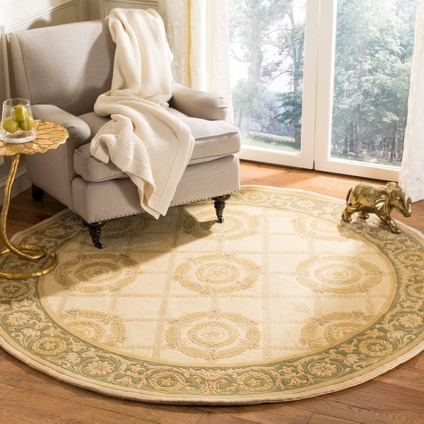 Safavieh Couture Hand-Knotted Florence Classic Beige / Gray Wool Rug (8' x 8' Round)
