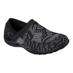 Women's Skechers Relaxed Fit Breathe Easy Lassie Slip-On Black/Gray|https://ak1.ostkcdn.com/images/products/199/77/P23879424.jpg?impolicy=medium