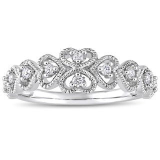 Miadora Signature Collection 10k White Gold 1/6ct TDW Diamond Clustered Heart Anniversary Band