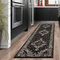"LR Home Infinity Geometric Oriental Black/ Gray Olefin Rug - 2'1"" x 7'5"""