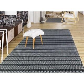 Multi-purpose Dylan Taupe Stripe Indoor/Outdoor Rug - 7'6 x 9'6
