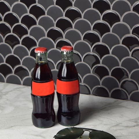 SomerTile 11.25x12-inch Expresiones Scallop Black Glass Mosaic Floor and Wall Tile (10 tiles/9.58 sqft.)