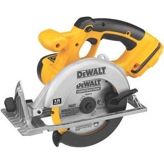 DeWalt 18 volts 6-1/2 in. Dia. Cordless Circular Saw Bare Tool 3,700 rpm