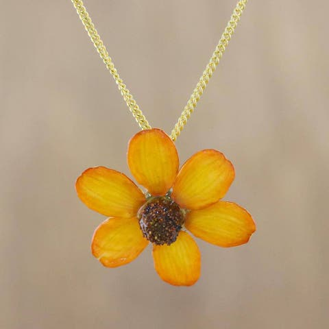 Handmade Natural Flower 'Zinnia Charm in Saffron' Necklace (Thailand)