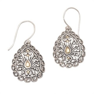 Handmade Gold Accented Sterling Silver 'Everlasting Memory' Earrings (Indonesia)
