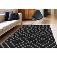 Soft Geometric Black Low-Pile Shag Rug - 8' x 11'