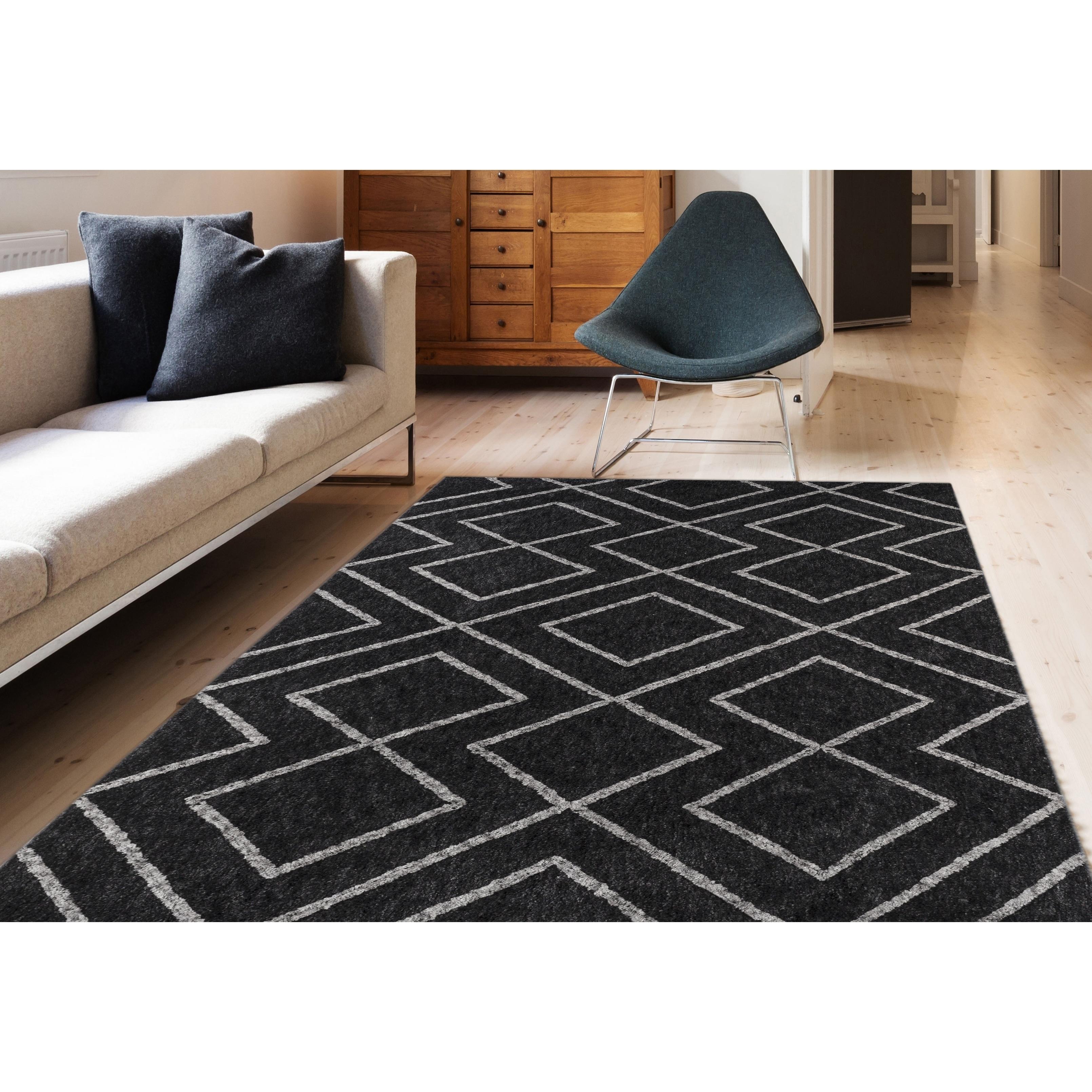 Shop Soft Geometric Black Low Pile Shag Rug 3 X 5 Free