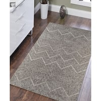 Soft Chevron Beige Low-Pile Shag Rug - 7'6 x 9'6