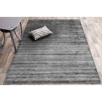 Hand-Woven Raphael Silver Gray Blended New Zealand Wool and Art Silk Rug - 3' x 5'
