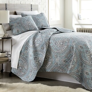 Pure Melody Lightweight Classic Paisley Quilt and Sham Set