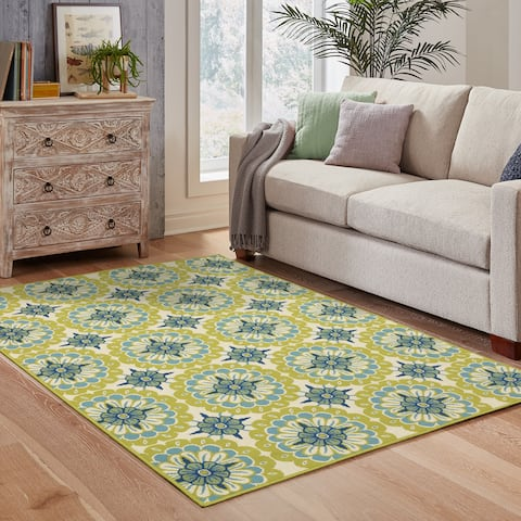"""Carson Carrington Mariefred Floral Green/Ivory Indoor/ Outdoor Area Rug - 7'10"""" x 10'10"""""""