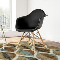 Carson Carrington Bremsnes Molded Chair with Wood Legs