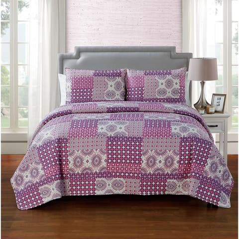 VCNY Home Nadia Pinsonic Reversible Quilt Set
