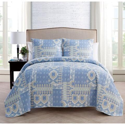 VCNY Home Adisa Pinsonic Reversible Quilt Set