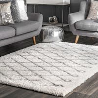 "Oliver & James Eva Diamond Shag Area Rug - 6'7"" x 9'"