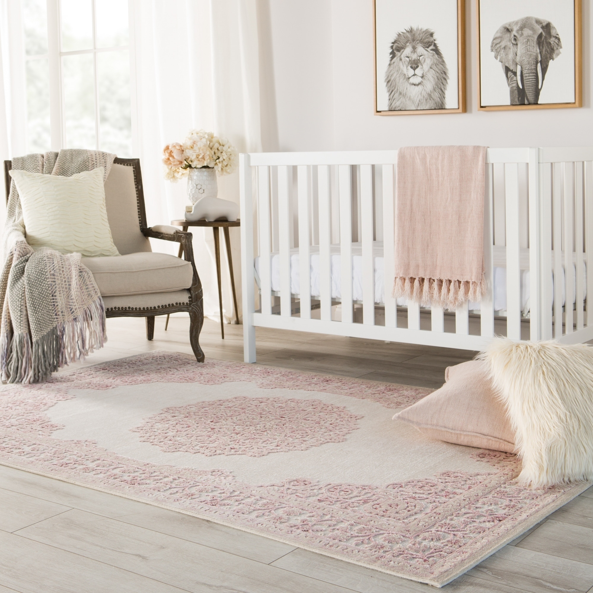 Copper Grove Pascal Medallion Pink/ White Area Rug - 76 x 96 (76 x 96 - Pink/White)