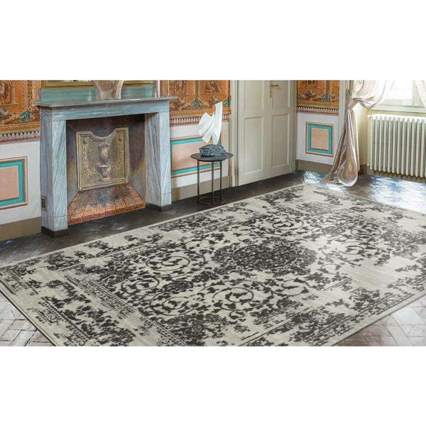 Ottomanson Royal Collection Distressed Medallion Design Area Rug (8' X 10')