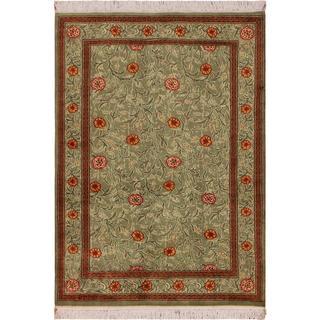 William Morris Pak-Persian Jasmine Lt. Green/Red Wool Rug (4'1 x 5'11) - 4 ft. 1 in. x 5 ft. 11 in.