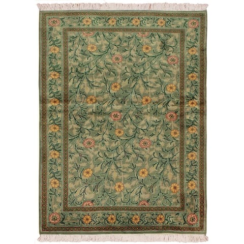 William Morris Pak-Persian Jasmine Lt. Green/Pink Wool Rug (4'1 x 6'2) - 4 ft. 1 in. x 6 ft. 2 in.