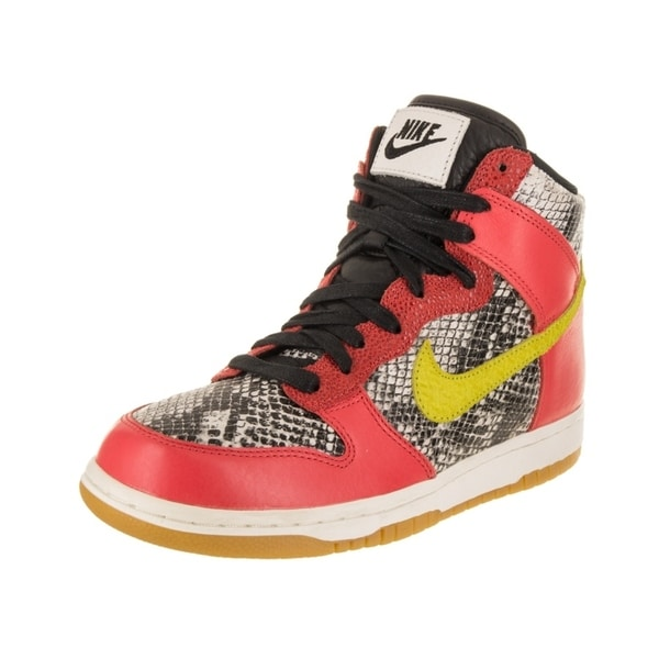 the best attitude 2562f 64a9a Nike Women  x27 s Dunk Hi LX Basketball Shoe