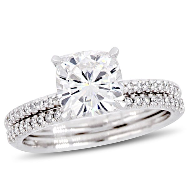 Miadora 2ct DEW Cushion-Cut Moissanite and 1/4ct TDW Diamond Bridal Ring Set in 14k White Gold. Opens flyout.