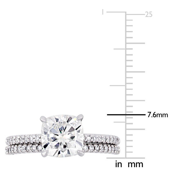 Miadora 2ct DEW Cushion-Cut Moissanite and 1/4ct TDW Diamond Bridal Ring Set in 14k White Gold