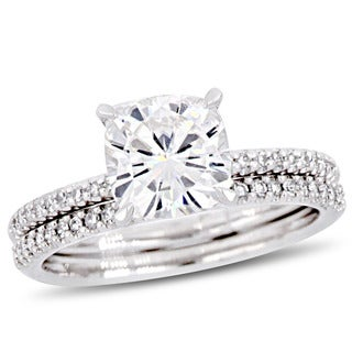 Moissanite by Miadora Signature Collection 14k White Gold 2ct TGW Cushion-Cut Moissanite and 1/4ct TDW Diamond Bridal Ring Set