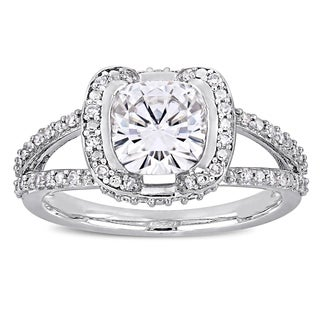 Moissanite by Miadora Signature Collection 14k White Gold 2ct TGW Moissanite and 1/4ct TDW Diamond Split Shank Engagement Ring