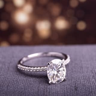 Moissanite by Miadora Signature Collection 14k White Gold Oval-Cut Moissanite and 1/10ct TDW Diamond Engagement Ring