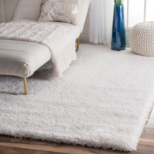 Clay Alder Home Eggner Soft and Plush Cloudy Solid Shag White Rug - 5' 3 x 7' 6