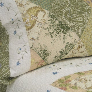 The Gray Barn Crosskeys Patchwork 3-piece Quilt Set