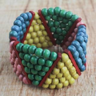 Handmade Sese Wood 'Dynamic Color' Bracelet (Ghana)