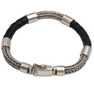 Handmade Men's Sterling Silver Leather 'Stay Strong' Bracelet (Indonesia)