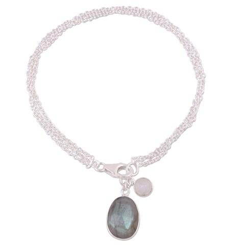 Handmade Sterling Silver 'Twinkling Harmony' Labradorite Rainbow Moonstone Bracelet (India)