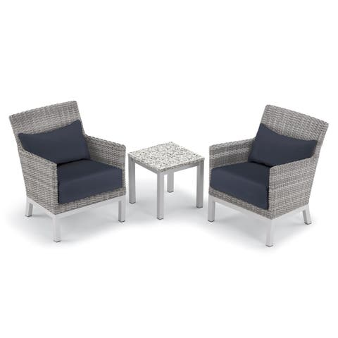 Oxford Garden Argento 3-piece Resin Wicker Club Chair, Pillows & Travira Lite-Core Ash End Table Set - Midnight Blue Cushions